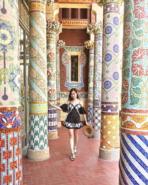 Tina Lee of Leather and Lace at Palau de la Musica Catalana